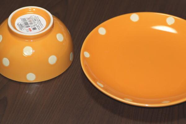 DAISOお茶碗と皿