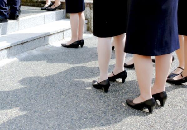 黒スーツ入学式